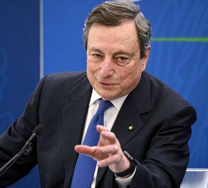 Il premier Mario Draghi, 73 anni:  ha guidato la Banca centrale europea salvando l'euro nella crisi più dura