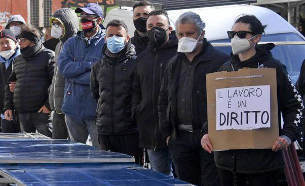Nel 2020 in Italia sono andati perduti 464mila posti di lavoro