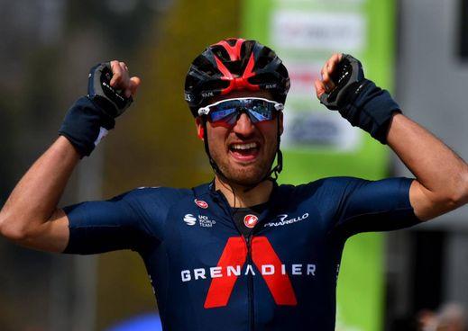 L'arrivo vincente a Innsbruck di Gianni Moscon, 27 anni, ora leader al Tour of the Alps