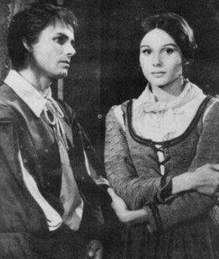 "Nino Castelnuovo (Renzo) e Paola Pitagora (Lucia), ""Promessi sposi"" tv (1967)"