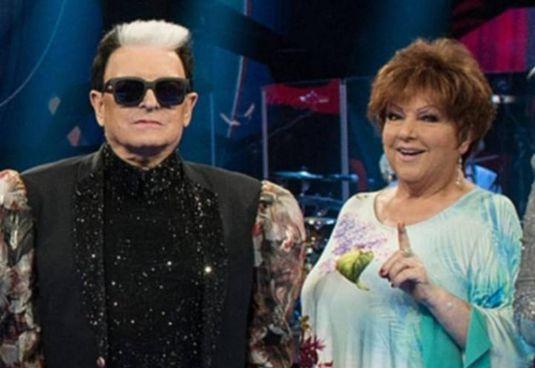 Cristiano Malgioglio, 75 anni, con Orietta Berti, 77 anni