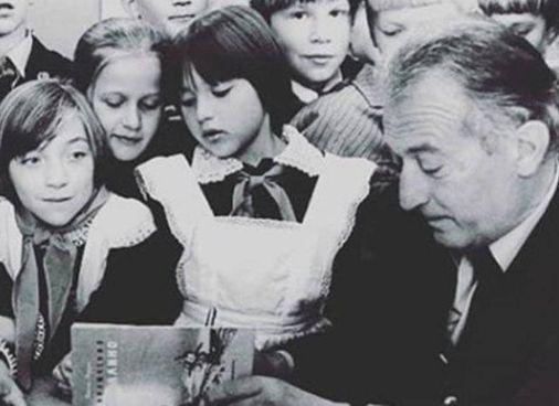Lo scrittore e pedagogista Gianni Rodari è morto nel 1980 a 60 anni
