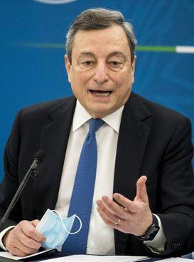 Mario Draghi, romano, classe 1947, siede a Palazzo Chigi dal 13 febbraio