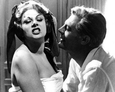 """Sandra Milo, oggi 88 anni, in """"8½"""" di Federico Fellini con Marcello Mastroianni"""