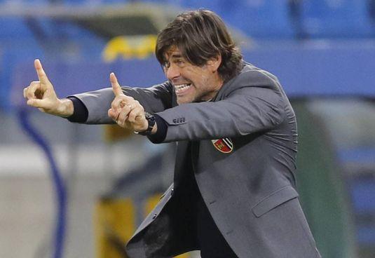 Andrea Sottil, allenatore dell'Ascoli,. sembra dire: «L'1-1 oggi va benissimo»