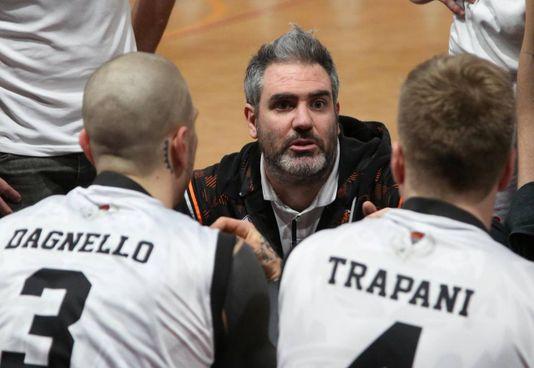 Il coach Davide Tassinari è stato assente tre partite,. tutte perse