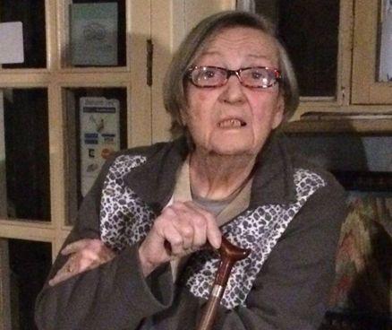La signora Graziella Perosino, 81 anni, ultima barcaiola del Po, nella sua casa nel parco del Valentino. Ora rischia lo sfratto, ma ha chiesto al Comune di Torino di poter restare fino alla fine dei suoi giorni