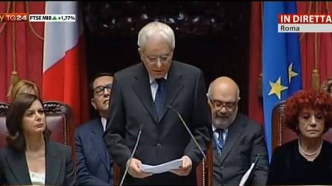 Mattarella giura come presidente