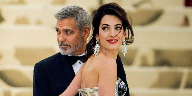 L'attore e regista George Timothy Clooney ha compiuto ieri 60 anni. È spostato con Amal Ramzi Alamuddin, 43 anni