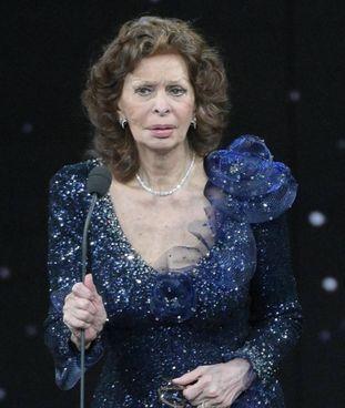 Sophia Loren, 86 anni, superstar ieri sera ai David di Donatello in diretta su Raiuno