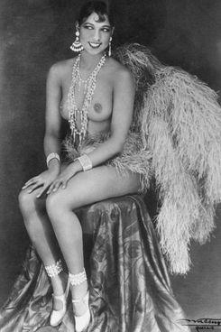 Joséphine Baker (1906-1975), in ritratto del 1927:. diva delle Folies Bergère e attivista