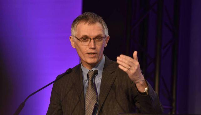 Carlos Tavares, 62 anni, è l'amministratore delegato di Stellantis Ieri ha firmato l'accordo per una joint venture con Foxconn