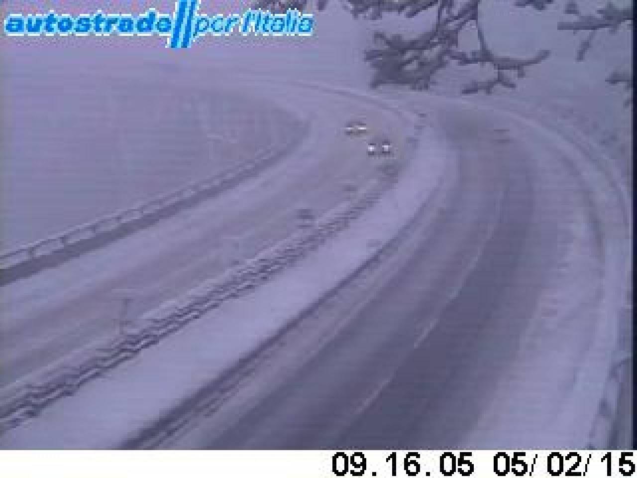 Neve sull'A1 tra Sasso Marconi e Barberino, divieto di