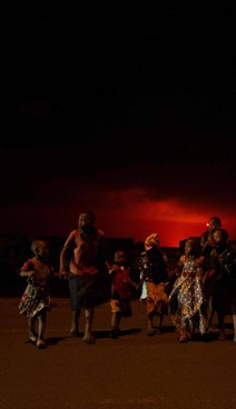 Alcuni abitanti di Goma abbandonano la città per l'eruzione del vulcano