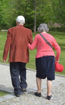 La brochure dà indicazioni. per prevenire truffe agli anziani