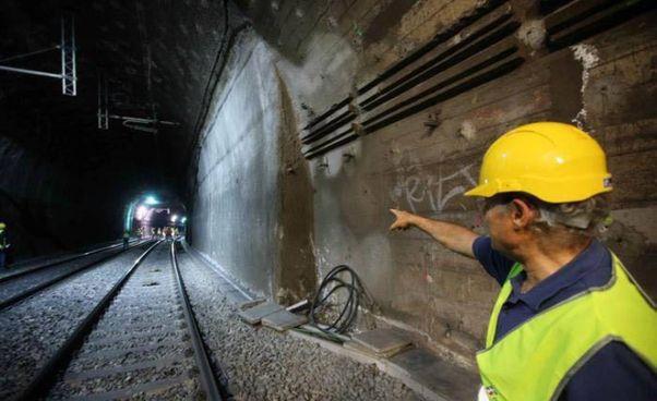 La ferrovia in. zona San Gottardo. L'Italia non riesce a connettersi con i tunnel svizzeri