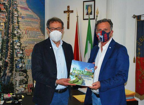 Piunti e Renzi nell'incontro tenutosi ieri mattina in municipio