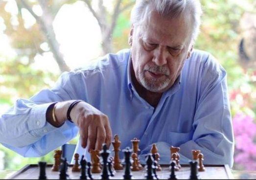 """Paolo Maurensig: lo scrittore della """"Variante Luneburg"""" e di """"Canone inverso"""" è morto ieri a 78 anni"""