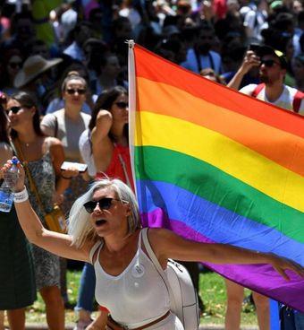 Una manifestazione del Gay Pride nel giugno di due anni fa per rivendicare l'orgoglio LGBTQ+