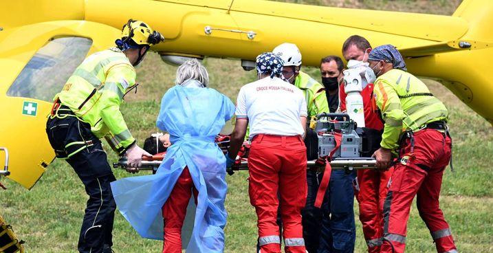 I. soccorsi del 118 nel parco di Paderno Dugnano dove si è verificato l'incidente