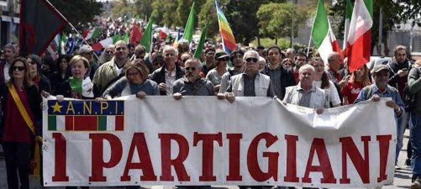 Una manifestazione dell'Anpi, l'associazione nazionale partigiani, per le celebrazioni. del 25 aprile