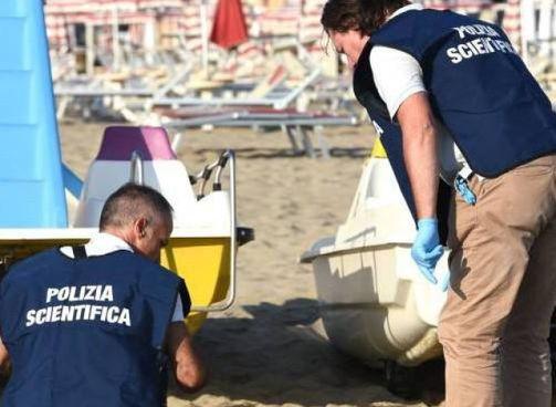 L'aggressione nei confronti della 15enne si sarebbe consumata sulla spiaggia a ridosso della ruota panoramica