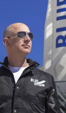 Jeff Bezos, 57 anni, fondatore di Amazon e Blue Origin