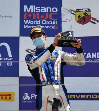 Lorenzo Patrese, 16 anni ad agosto, festeggia il 1° posto tra i debuttanti di F4