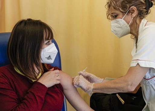 Il consigliere comunale di centrodestra ha lanciato la class action contro la gestione della campagna vaccinale