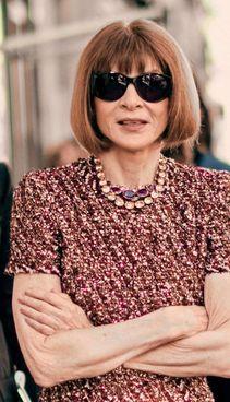 Anna Wintour, direttore editoriale della Condè Nast, ha 71 anni