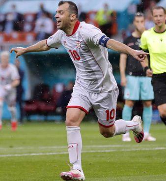 Goran Pandev,. giocatore. della nazionale macedone e del Genoa, compirà 38 anni alla fine di luglio. Contro. l'Austria ha segnato il suo. 38° gol in 118 partite