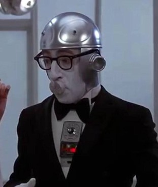 Woody Allen nel film 'Il dormiglione' (1974), storia di un uomo che si risveglia dopo un sonno di duecento anni