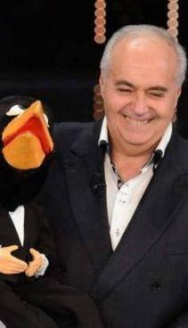 Moreno con il corvo Rockfeller in un'immagine recente