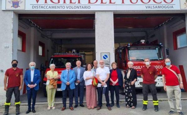 I rappresentanti del Rotary Club Bologna Valle del Samoggia in visita presso il distaccamento Vigili del fuoco volontari della Valsamoggia