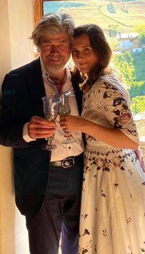 Reinhold Messner, 77 anni, e la terza moglie Diana, 35 anni più giovane