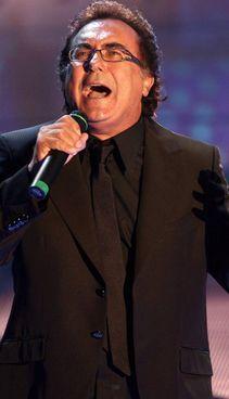 Il cantante Al Bano Carrisi, 78 anni, nei giorni scorsi ha cantato in chiesa
