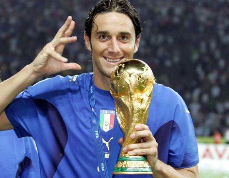 Da campione ai campioni: Luca Toni, 44 anni, campione del mondo con l'Italia di Lippi nel 2006