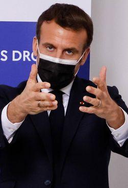 Il presidente francese, Emmanuel Macron, 43 anni