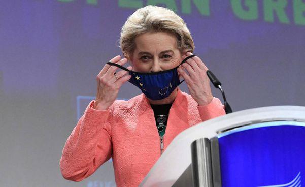 La presidente della Commissione europea Ursula von der Leyen, 62 anni