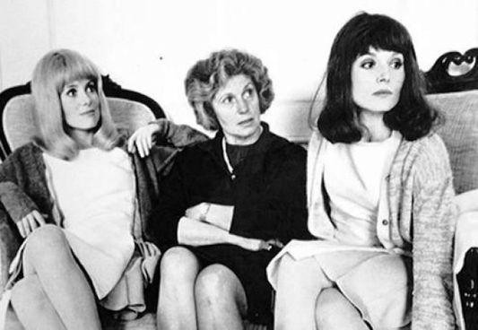 Catherine Deneuve con la madre Renée e la sorella Françoise Dorléac nel '67