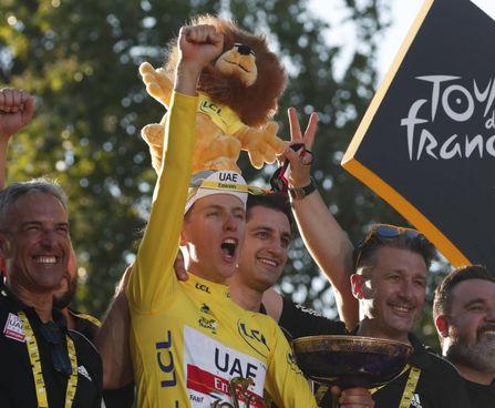Tadej Pogacar, 22 anni. Solo in questa stagione ha vinto 12 volte, compresa la Liegi-Bastogne-Liegi. Il secondo trionfo al Tour arriva alla terza stagione da pro