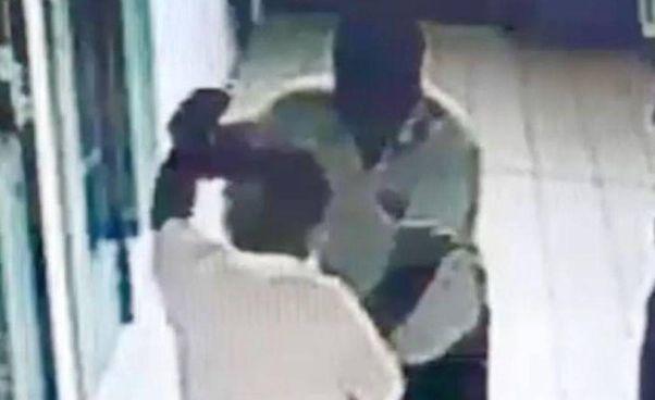 Leoluca Bagarella bloccato dopo l'aggressione a un agente penitenziario (video dell'. Espresso