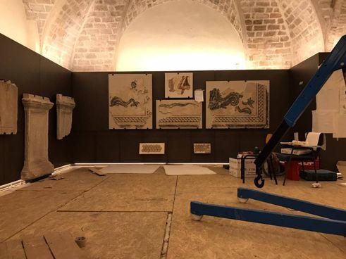 Una sala del Museo archeologico Oliveriano in fase di allestimento