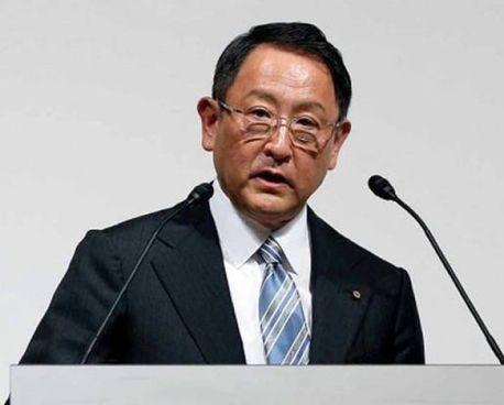 Akyo Toyoda, 65 anni, discendente del fondatore, è il ceo di Toyota. E' stato premiato come persona dell'anno nel mondo dell'auto. per il 2021