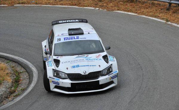 La Skoda Fabia R5 di. Giuseppe Icomini e Nicola Angilletta durante una prova speciale del rally Coppa Città di Lucca