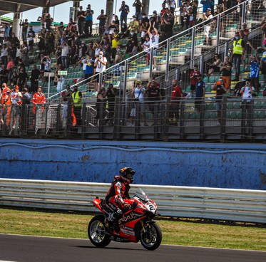 Le tribune del Misano world circuit durante la gara della Superbike a giugno