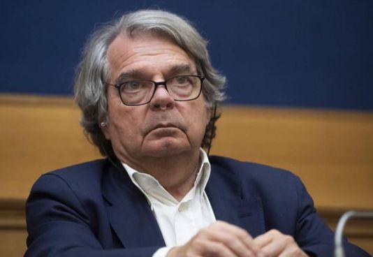 Renato Brunetta, 71 anni, è ministro per la. Pubblica Amministrazione