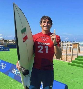 Leonardo Fioravanti, surfista, ha vinto il ripescaggio conquistando gli ottavi