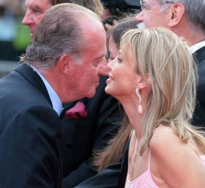 Juan Carlos (83 anni), re di Spagna fino al 2014, e l'ex amante tedesca di origine danese, Corinna Larsen (57)