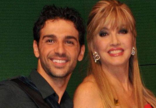 Raimondo Todaro, 34 anni, e Milly Carlucci, 66 anni